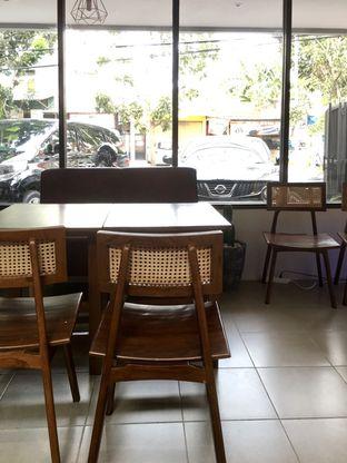 Foto 4 - Interior di Likely Cafe & Resto oleh Prido ZH