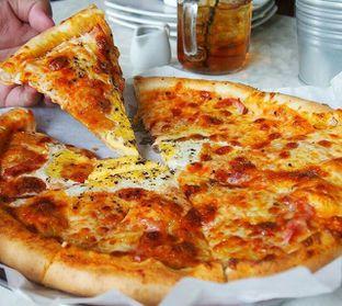 Foto 2 - Makanan(Aussie Pizza) di Spatula oleh bulbuleat92