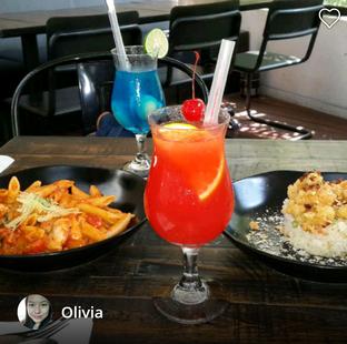 Foto 1 - Makanan di De Luciole Bistro & Bar oleh Olivia @foodsid