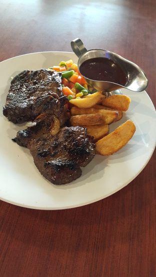 Foto 1 - Makanan di Joni Steak oleh Stefy Tan