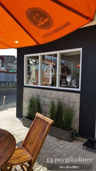 Foto 6 - Interior di Nongkee Coffee oleh UrsAndNic