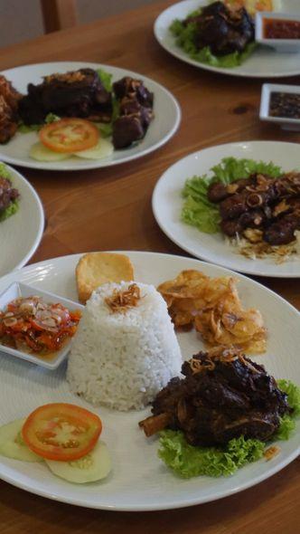 Foto Makanan di Rumah Iga Bakar