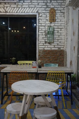 Foto 27 - Interior di Happiness Kitchen & Coffee oleh yudistira ishak abrar