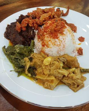 Foto 1 - Makanan di Nasi Kapau Sutan Mudo oleh Gembuli Tan