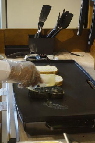Foto 5 - Interior di Ohayou! Cheese Toast oleh yudistira ishak abrar