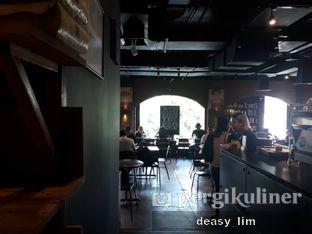 Foto 4 - Interior di Anomali Coffee oleh Deasy Lim