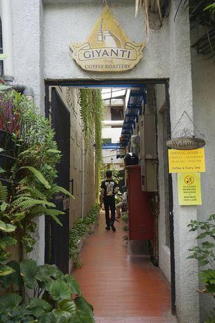Foto 14 - Interior di Giyanti Coffee Roastery oleh yudistira ishak abrar