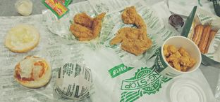 Foto 1 - Makanan di Wingstop oleh Victor Fernando