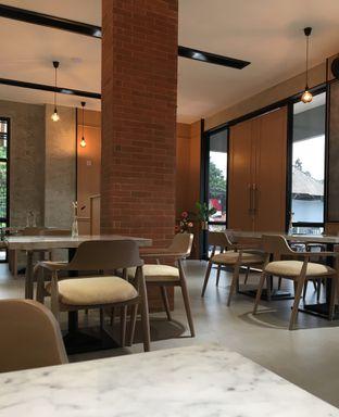 Foto 5 - Interior di Ergonomic Coffee & Lounge oleh Jeljel