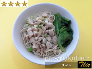 Foto 1 - Makanan di Pinangsia oleh Tirta Lie