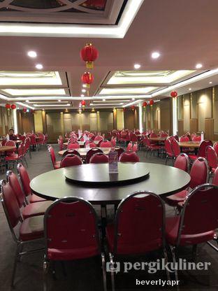 Foto 4 - Interior di Angke Restaurant oleh beverlyapr