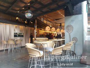Foto 3 - Interior di Robot & Co. oleh Ladyonaf @placetogoandeat