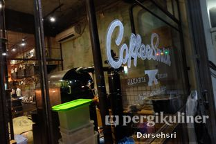Foto 8 - Interior di Coffee Smith oleh Darsehsri Handayani