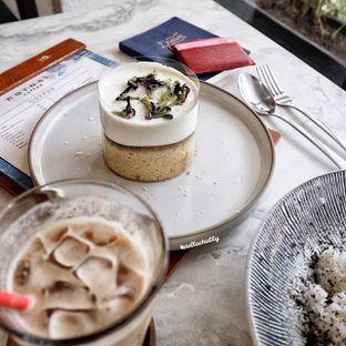 Foto 1 - Makanan(Milk lava lemon cheese cream) di Narasi Coffee oleh Stellachubby
