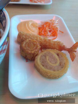 Foto 4 - Makanan(GORENGAN UDANG ) di Yoshinoya oleh vera Siagian