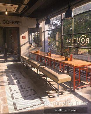 Foto 1 - Interior di Routine Coffee & Eatery oleh Illya Adista