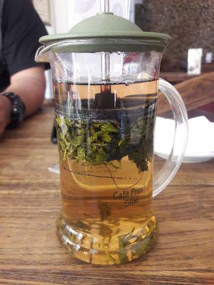 Foto 4 - Makanan di Rollaas Coffee & Tea oleh Nisanis