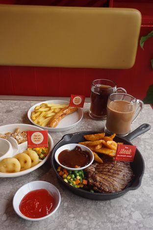 Foto 20 - Makanan di Steak Hotel by Holycow! oleh yudistira ishak abrar