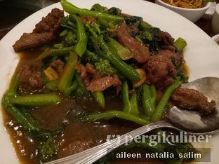 Foto 3 - Makanan(Kalian Cah Sapi) di Haka Restaurant oleh @NonikJajan