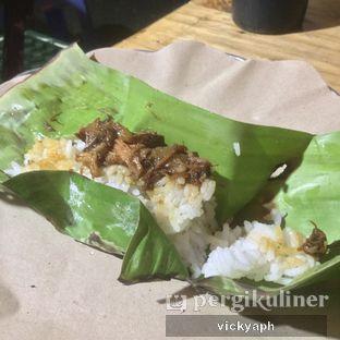 Foto 2 - Makanan(Nasi Kucing Babi Kecap) di Angkringan Bro oleh Vicky @vickyaph