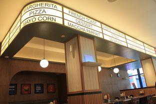 Foto 13 - Interior di Food Days oleh Prido ZH