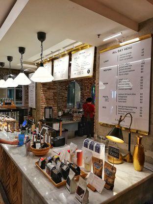 Foto 5 - Interior di Sajiva Coffee Company oleh @makansamaoki