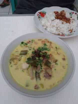 Foto 2 - Makanan di Soto Kuning Bogor Pak Yusup oleh deasy foodie