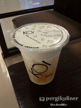Foto 1 - Makanan(Green tea macchiato) di KOI Cafe oleh UrsAndNic