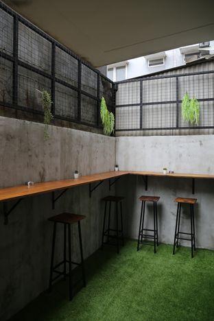 Foto 5 - Interior(ada smoking area juga) di Thick Toast oleh Adelaide Lavenia