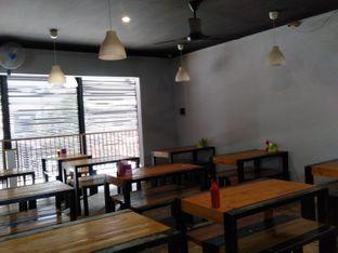 Foto 4 - Interior di Steak Moen - Moen oleh yukjalanjajan