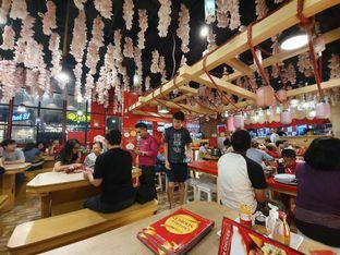Foto 2 - Interior di Universal Noodle Ichiro Ramen Market oleh Makan2 TV Food & Travel