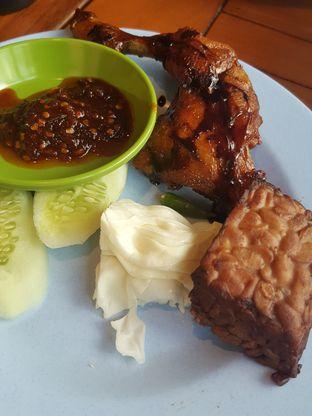 Foto 2 - Makanan di Ayam Bakar Megaria oleh Wiwis Rahardja