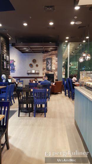 Foto 9 - Interior di Caribou Coffee oleh UrsAndNic