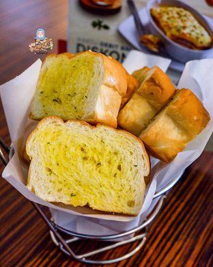 Foto review Pizza Hut oleh @Foodbuddies.id   Thyra Annisaa 1