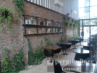 Foto 5 - Interior di Ruma Eatery oleh Ladyonaf @placetogoandeat