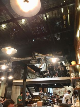 Foto 3 - Interior di Pison oleh Alfabetdoyanjajan