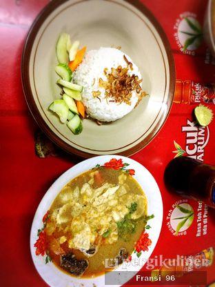 Foto 2 - Makanan di Soto Betawi Globe H. Oji oleh Fransiscus