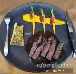 Foto 1 - Makanan(Wagyu 9+ tenderloin) di Amuz oleh William Wilz