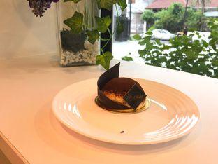 Foto 1 - Makanan di St. Claire Patisserie oleh @yoliechan_lie