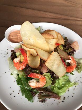 Foto 6 - Makanan di Scenic 180° (Restaurant, Bar & Lounge) oleh Duolaparr