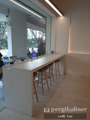 Foto 7 - Interior di Aiko Coffee oleh Selfi Tan