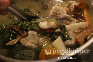 Foto 13 - Makanan(Kerapu kuah asam) di Sulawesi@Kemang oleh UrsAndNic