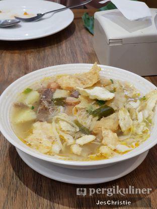 Foto 2 - Makanan(Soto Mie) di Kafe Betawi oleh JC Wen