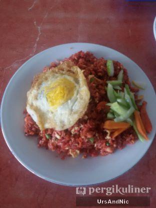 Foto 1 - Makanan(Nasi goreng merah ayam) di Makassar Seafood Pelangi oleh UrsAndNic