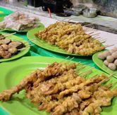 Foto Penampakan Sate Kulit Ayam di Ayam Goreng & Ayam Bakar Sie Jeletot