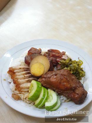 Foto 2 - Makanan(Nasi Campur Jumbo) di Bun Hiang oleh JC Wen