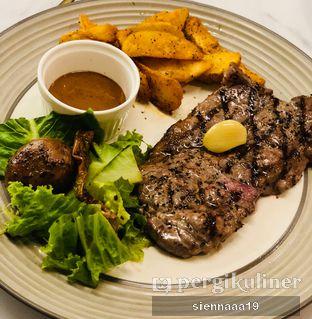 Foto 3 - Makanan(Steak de Porto (200GR)) di Porto Bistreau oleh Sienna Paramitha