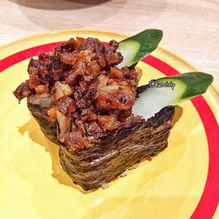 Foto 39 - Makanan(Yakiniku Gunkan) di Kappa Sushi oleh duocicip