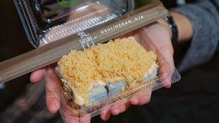 Foto 1 - Makanan(Kani Mentai Mayo Roll) di Sushi Tei oleh @kulineran_aja
