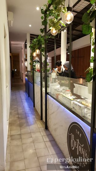 Foto 9 - Interior di The Betawi Salad oleh UrsAndNic